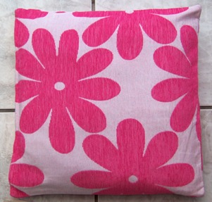 Chenille Flower Luxurious Pink Cushion Cover